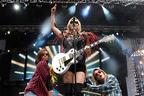 Image 8: Ke$ha on Stage