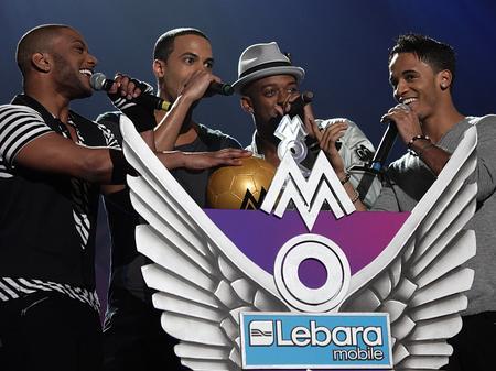 JLS win MOBO Award