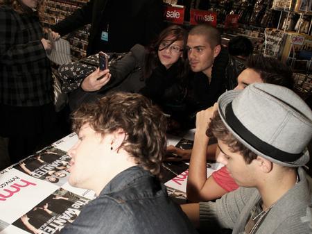 the wanted meet signing at hmv