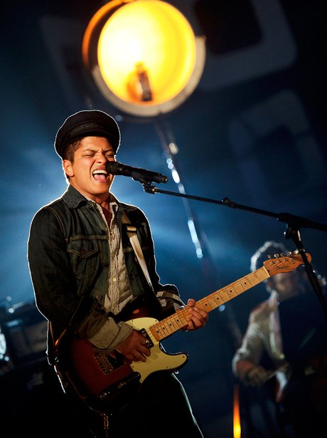 Bruno Mars soultrain awards.