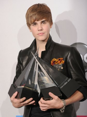 justin bieber at the american music awards 2010