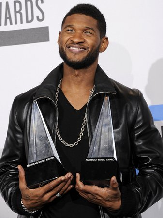 usher at the american music awards 2010