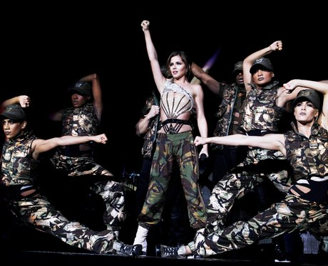 cheryl cole supports black eyed peas