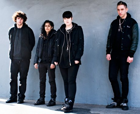 The XX pose in a promotional picture