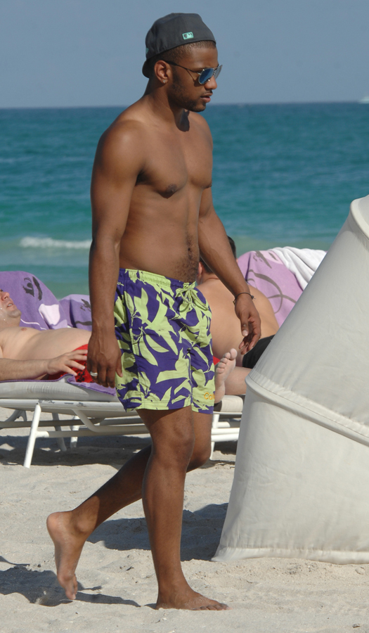 Boy band JLS on holiday in Miami