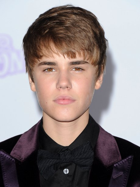 Justin Biebers Hair Transformations Of The What Do You Mean - Justin bieber hairstyle where are u now