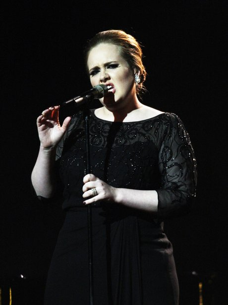 Adele sings '21' hit 'Someone Like You' live at the 2011 BRIT Awards