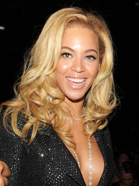 Beyonce with blonde hair at the Grammys