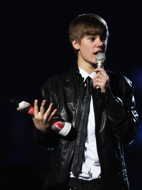 Justin Bieber wins at the brit awards