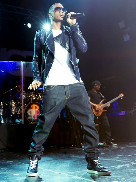 trey songz live on stage
