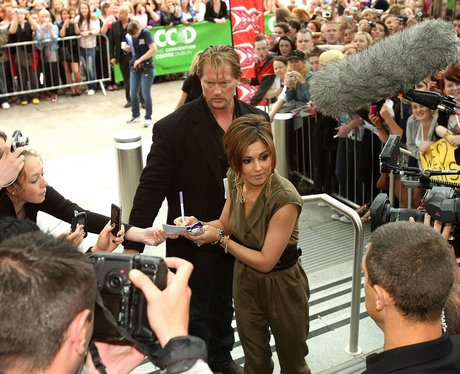 Cheryl Cole arrives in America