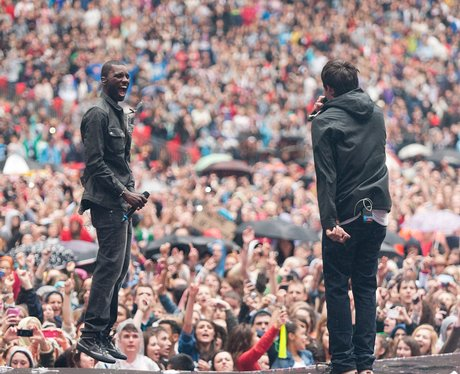 Example and Wretch 32 sing 'Unorthodox' at the 2011 Summertime Ball