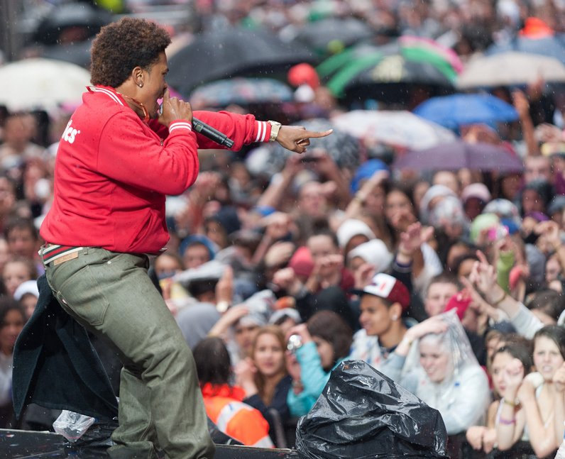 Mann live at the 2011 Summertime Ball
