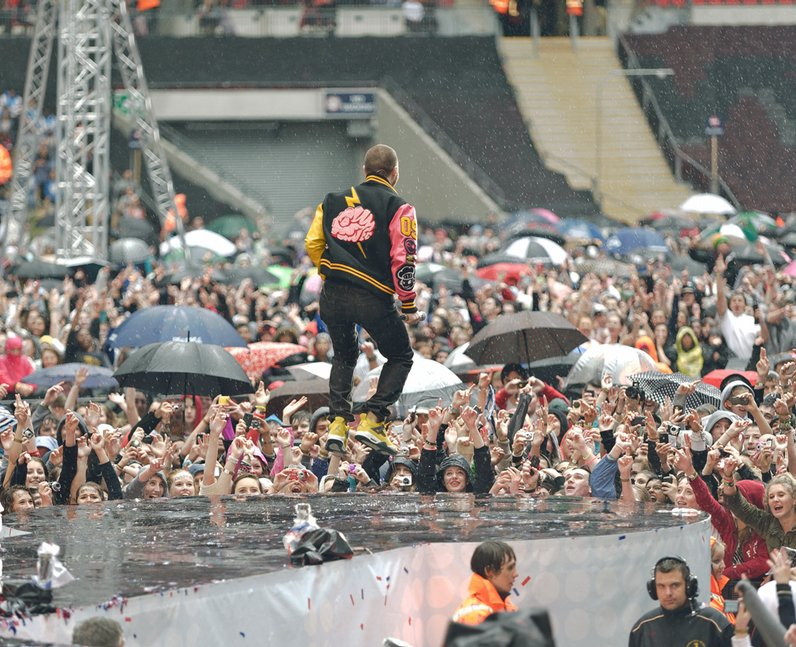 Mike Posner live at the Summertime Ball 2011