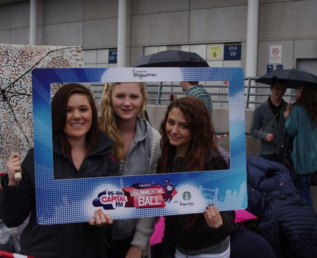 Street Star Outside Wembley Teams