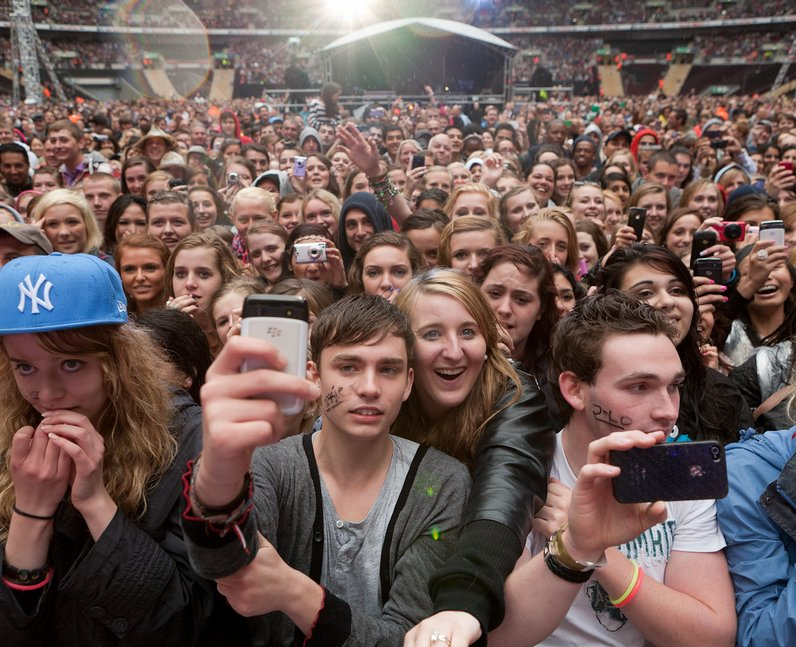 crowds Summertime Ball 2011