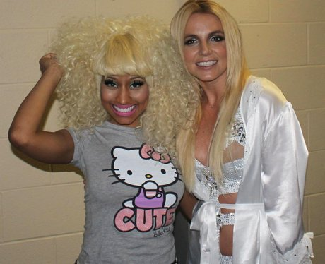Brtiney Spears and Micki Minaj in a picture Britney posted on her Twitter feed