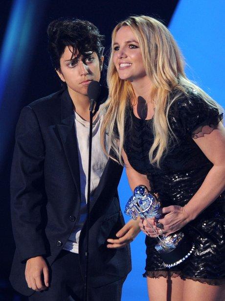 Lady Gaga Presents Britney With Her Award