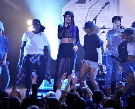 jessie j live mobo awards 2011
