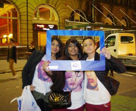 Manchester goes Rihanna Mad