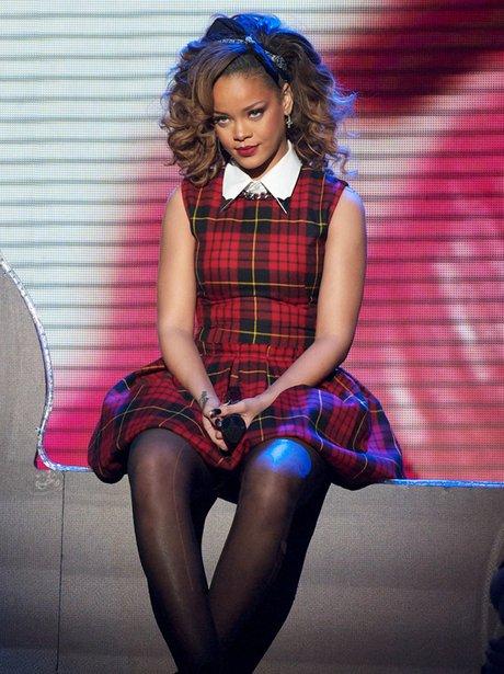 Rihanna live on TV