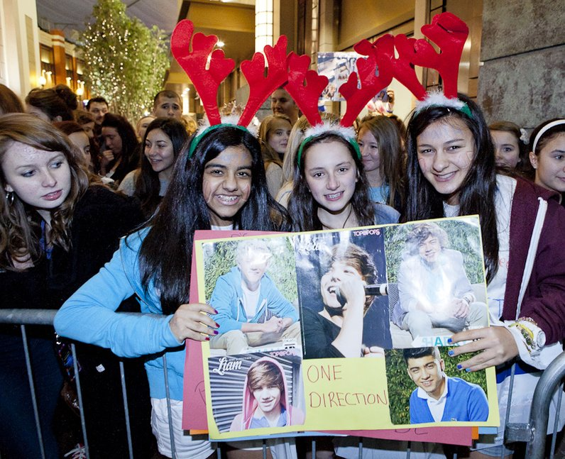 Crowds arriving at the 2011 Jingle Bell Ball