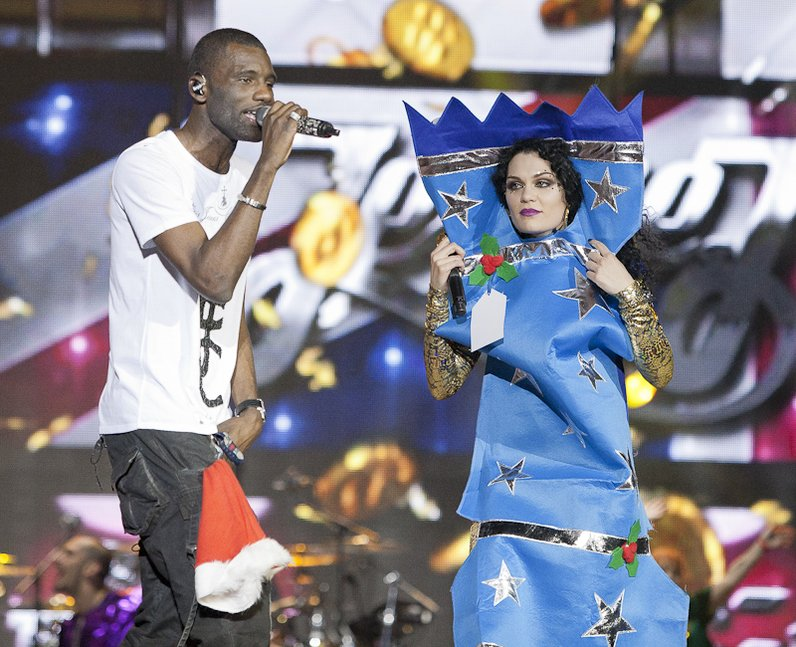 Jessie J dressed as a Christmas cracker AND with special guest ...