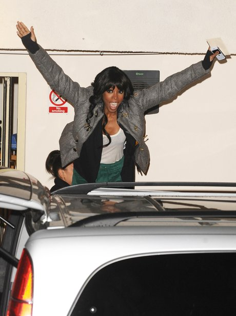 Kelly Rowland leaving the X Factor studios