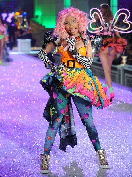 Nicki Minaj performs Super Bass at Victoria Secret fashion show