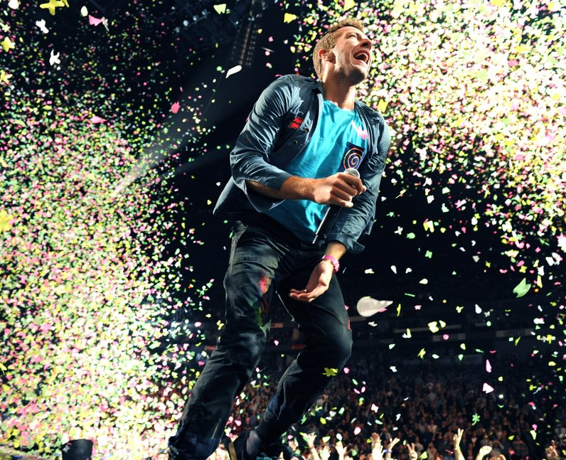 Coldplay perfrom live