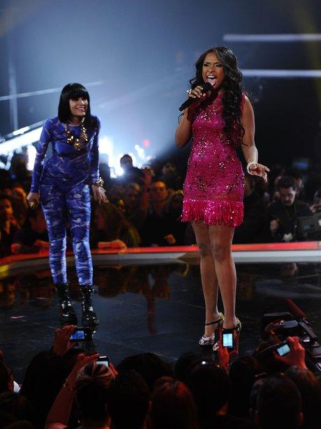 Jessie J and Jennifer Hudson perform together