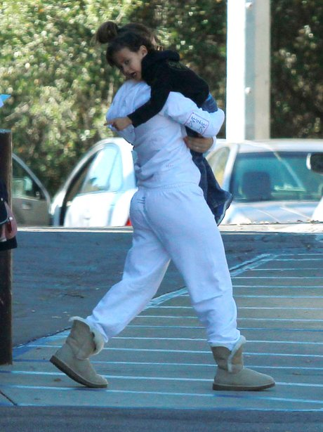 Jennifer Lopez carrying her baby