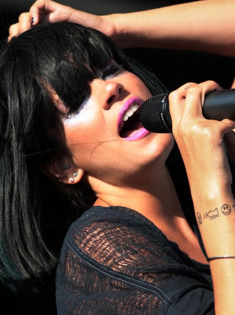 Lilly Allen live on stage