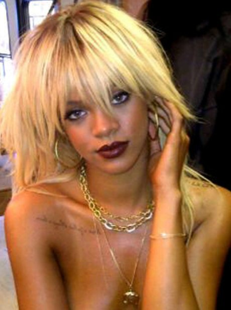 rihanna-naked-in-front-of-her-boyfriend