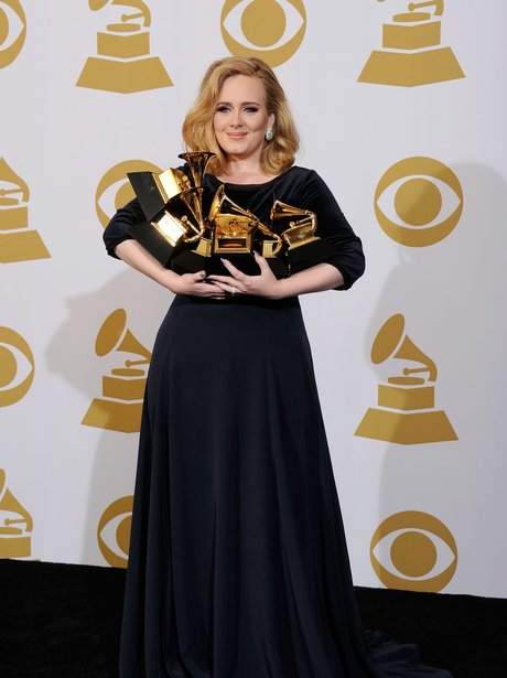 adele-at-the-grammy-awards-2012-winners-4-1329111671-view-0.jpg