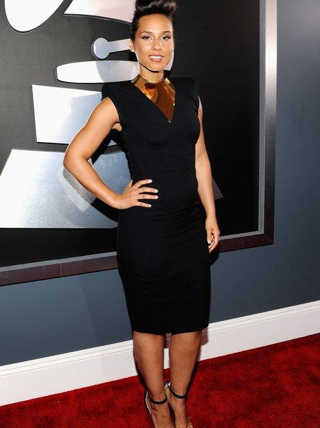 Alicia Keys arrives at the Grammy Awards 2012