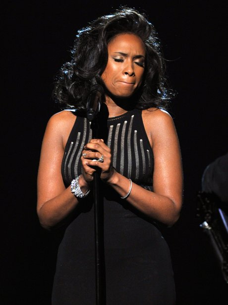 Jennifer Hudson performs at the 2012 Grammy Awards