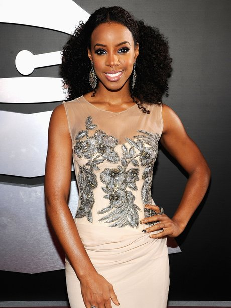 Kelly Rowland on the red carpet at the Grammy Awar