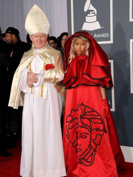 Nicki Minaj arrives at the Grammy Awards 2012