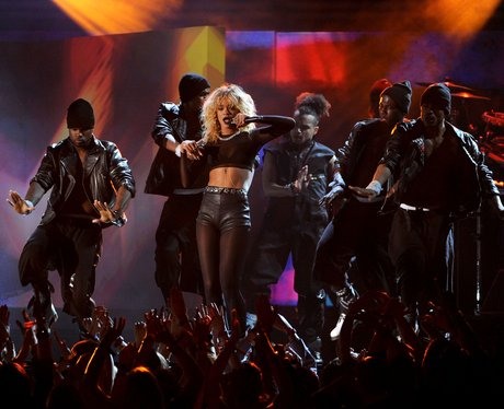 Rihanna Performs at the 2012 Grammy Awards