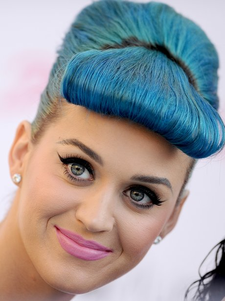 Katy Perry launches eyelash range with blue hair