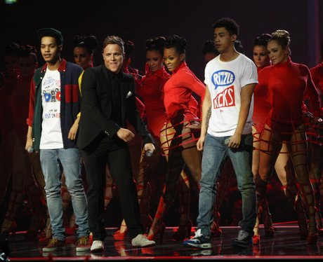Olly Murs and Rizzle Kicks play the BRIT Awards 2012