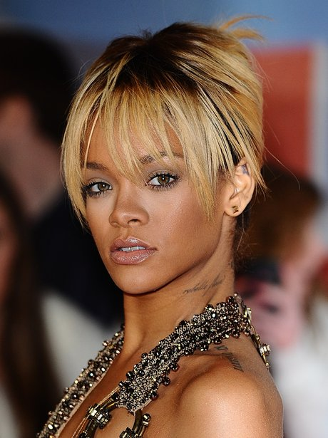 Rihanna arrives at the BRIT Awards 2012