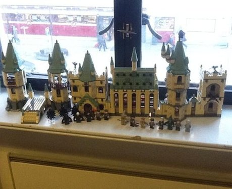 Ed Sheeran builds Hogwarts out of Lego