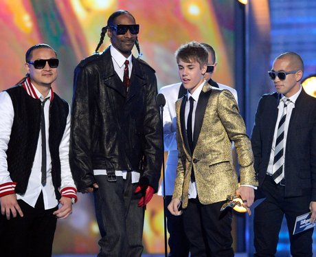 Justin Bieber with Snoop Dog and Far East movement
