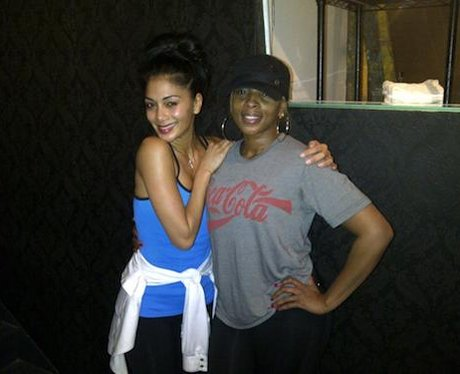 Nicole Scherzinger and Mary J Blige in the gym.