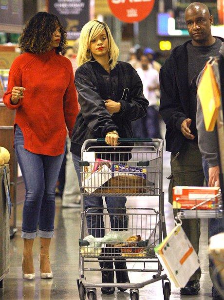 Rihanna shopping