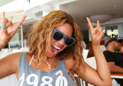 """Ne-Yo Says Beyonce Is """"Super Down To Earth"""": """"What You See Is What You Get"""" – Audio"""