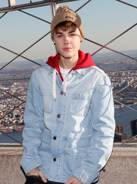 Introducing... Justin Beliebeanie! - Celebrities Wearing Beanies ... a144d1b64b1