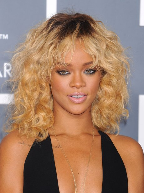 Rihanna Grammys 2012